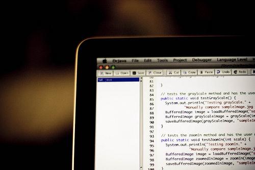 ウェブサイトにHTML埋め込みコードを追加する方法[クイックガイド]