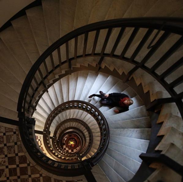 らせん階段のリーディングライン