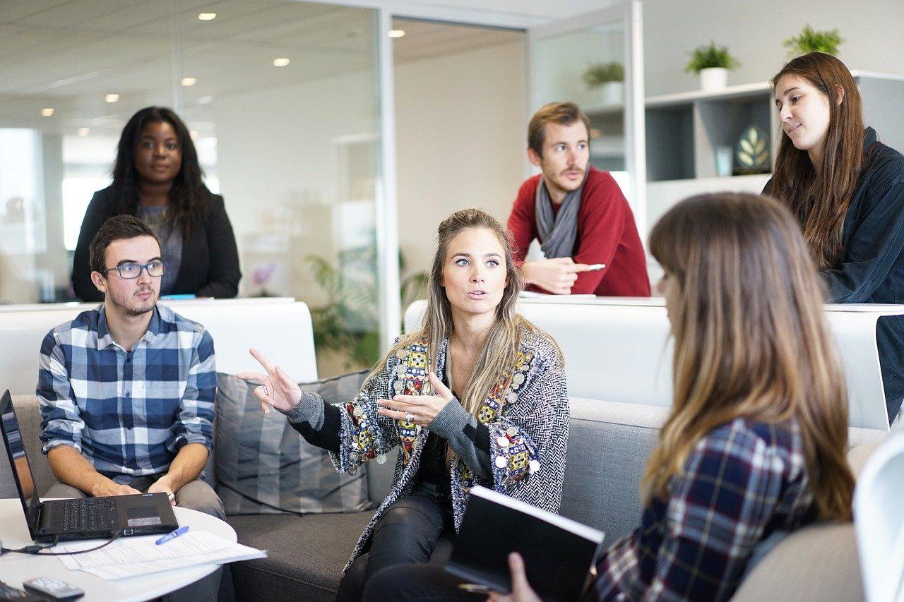 OKRで効率的な目標管理を実現する方法とは?KPIやMBOとの違いも解説