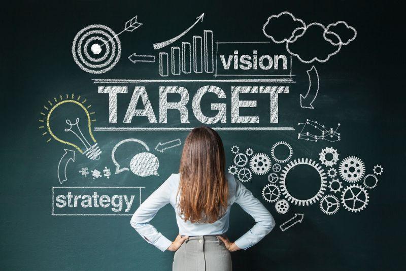 営業戦略の設計に欠かせない代表的な4つのフレームワークを解説