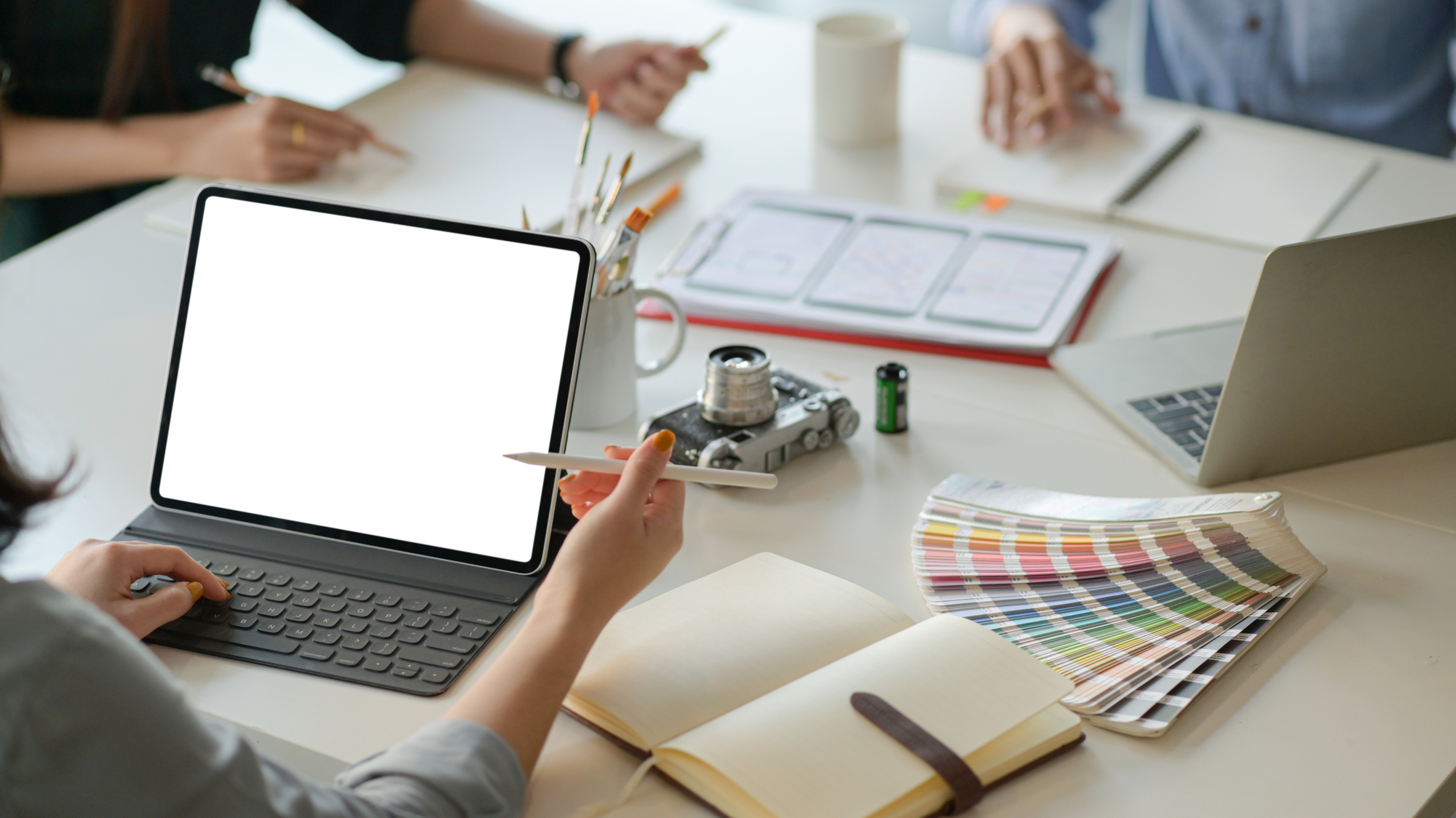 Canvaとは?無料で使えるデザイン作成ツールの機能・使い方を解説