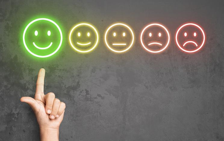 顧客満足度とは?高めていくためのポイントや成功事例を解説