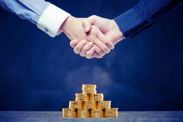ベンチャーキャピタルから出資を受ける「メリット・デメリット」とは?融資との違いも合わせて解説