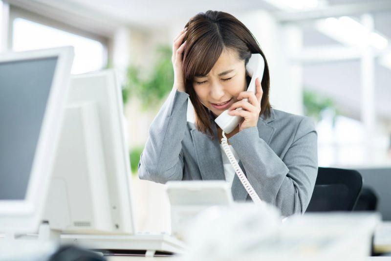『電話営業つらい』は時代遅れ?トークスクリプトと話し方のコツ