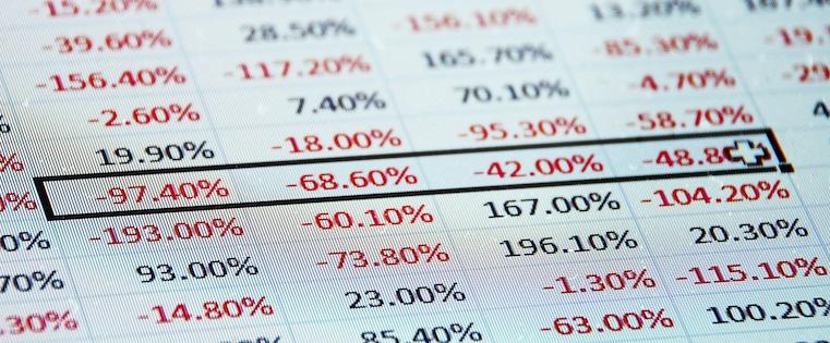 Excelを顧客管理に利用していますか?Excelが業務に及ぼす5つの悪影響